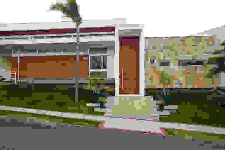 Окремий будинок by grupo pr | arquitetura e design, Сучасний