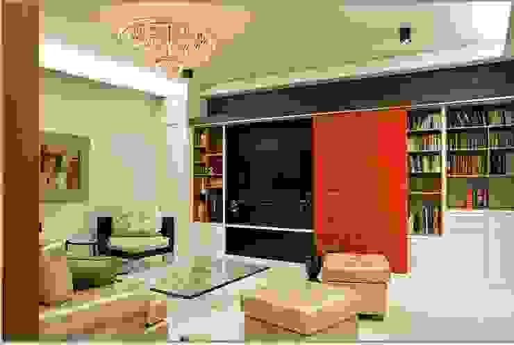 Ruang Baca dan Multimedia:modern  oleh E&U, Modern Kaca