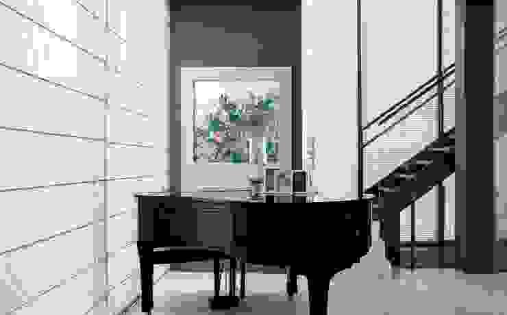 Piano Ruang Keluarga Modern Oleh E&U Modern Beton