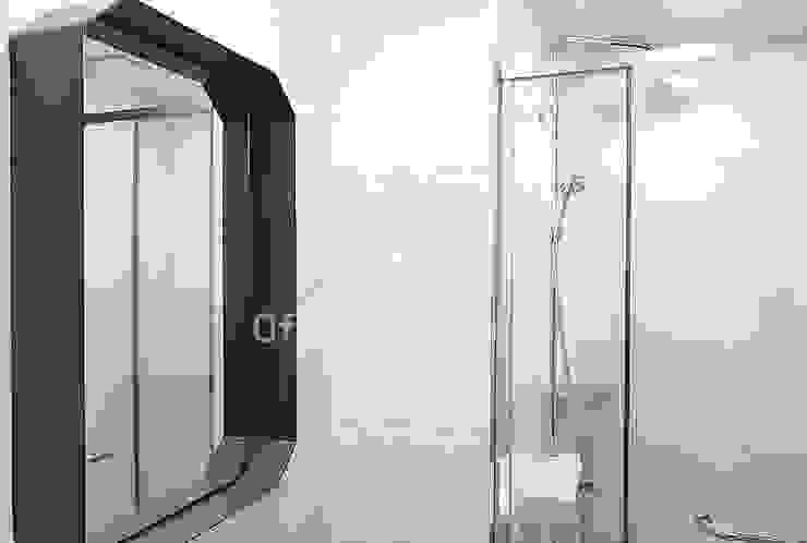 파란색으로 포인트주기. 40평대 아파트 실내 인테리어 스칸디나비아 욕실 by 디자인 아버 북유럽