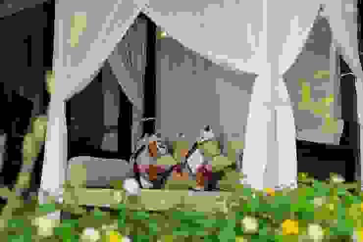 Credenza Interior Design ระเบียง นอกชานของแต่งบ้านและอุปกรณ์จิปาถะ