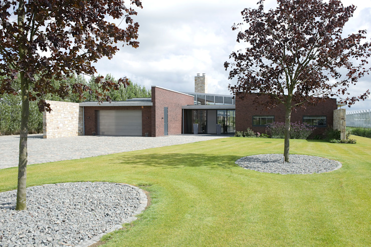 Villa Bleiswijk voorgevel van Studio Leon Thier architectuur / interieur Modern Steen