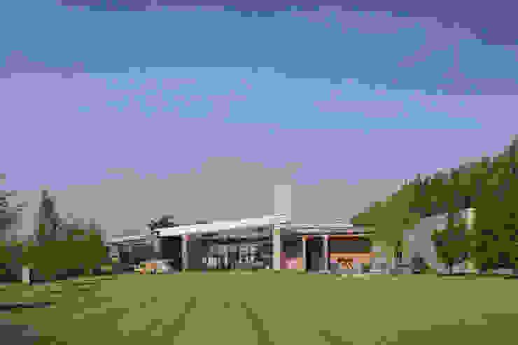 Villa Bleiswijk achtergevel van Studio Leon Thier architectuur / interieur Modern Hout Hout