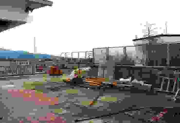 Moderner Balkon, Veranda & Terrasse von Andrea Pelleriti progettazione giardini Modern