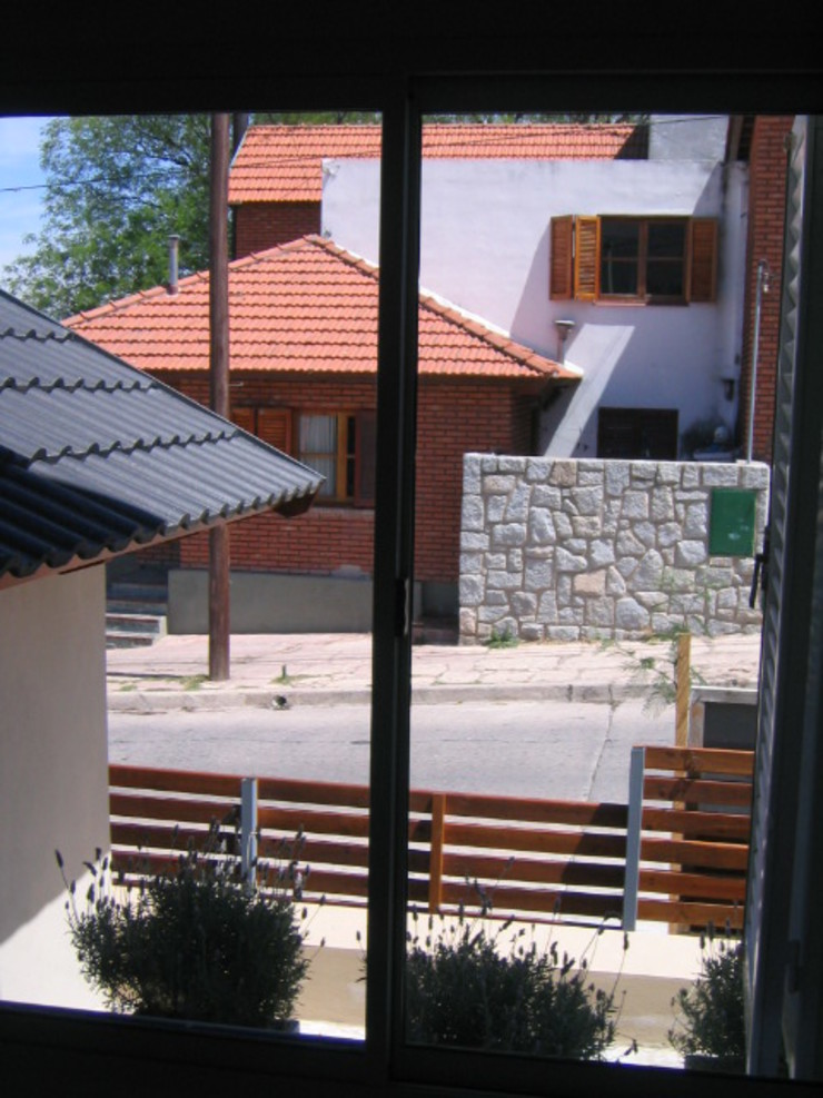 Duplex calle Centenario, exterior Dormitorios de estilo clásico de Dario Basaldella Arquitectura Clásico