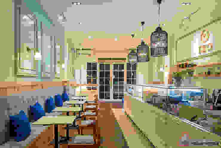 EZO Cheesecakes & Bakery, Pantai Indah Kapuk, Jakarta Ruang Makan Klasik Oleh Evonil Architecture Klasik