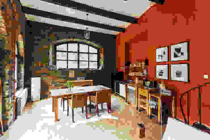 Modern dining room by 2kn architekt + landschaftsarchitekt Thorsten Kasel + Sven Marcus Neu PartSchG Modern Stone