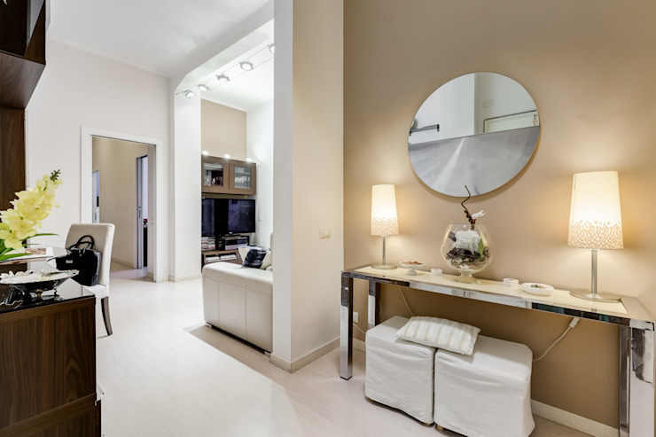 Ingresso MakeUp your Home Ingresso, Corridoio & Scale in stile moderno Ambra/Oro