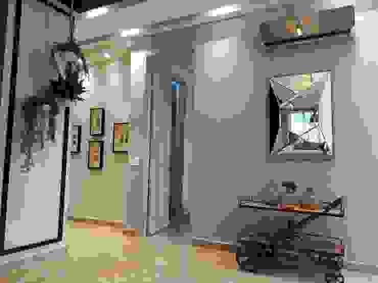 Diseño y construccion (Reforma y remodelacion) – Apto de soltero – Barranquilla Pasillos, vestíbulos y escaleras de estilo industrial de Savignano Design Industrial