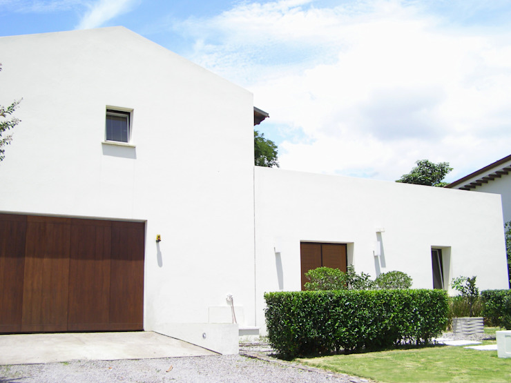 Luxury Eco Home | Bio Domus D.01 Santa Ana Costa Rica Aroma Italiano Eco Design Single family home White