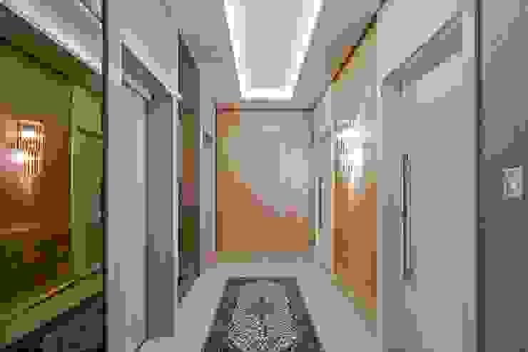 Carolina Kist Arquitetura & Design Modern corridor, hallway & stairs