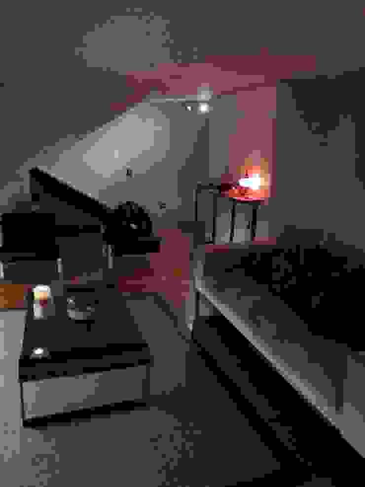 Remodelación Departamento en Alonso de Cordova, RM Livings de estilo moderno de GY3 Arquitectos. spa Moderno