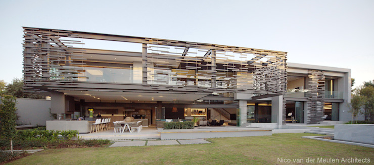 Rear Facade Modern houses by Nico Van Der Meulen Architects Modern