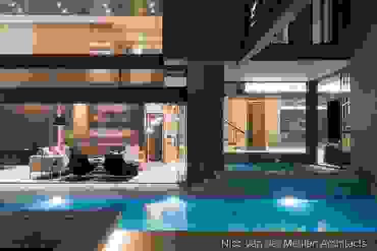by Nico Van Der Meulen Architects Сучасний