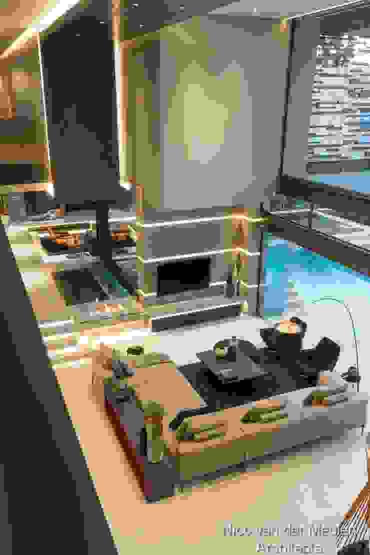 TV Lounge & Entrance Modern living room by Nico Van Der Meulen Architects Modern Concrete