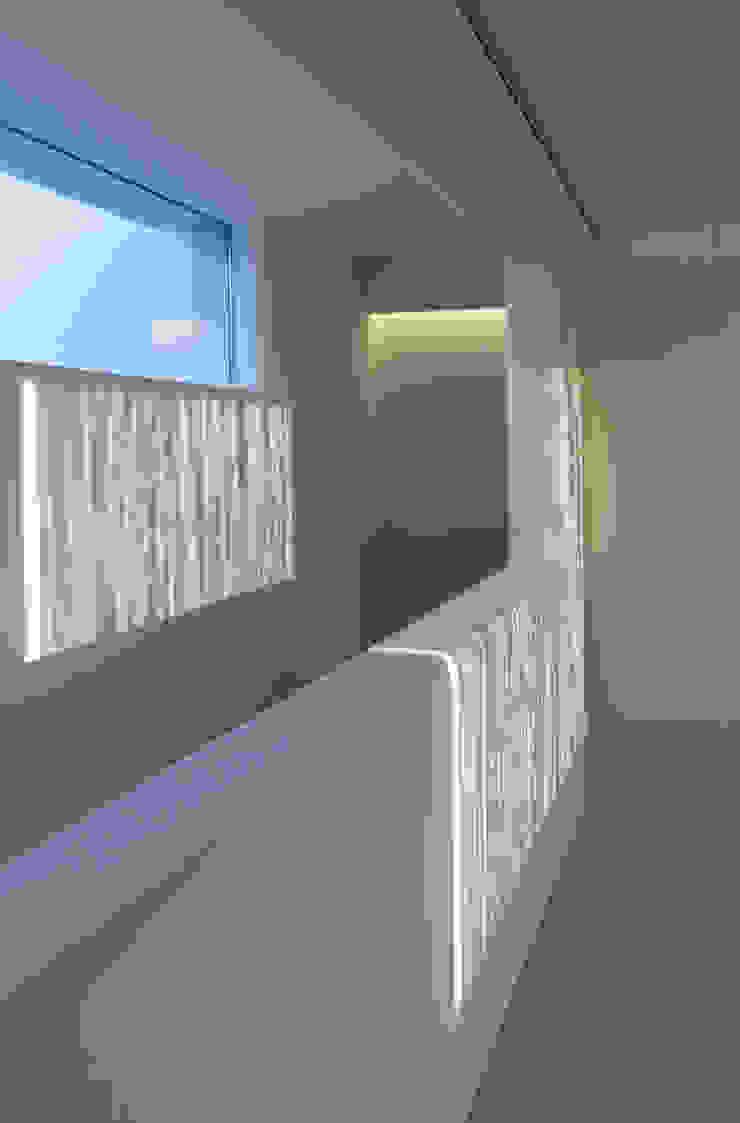 地中海走廊,走廊和楼梯 根據 Alejandro Giménez Architects 地中海風 砂岩