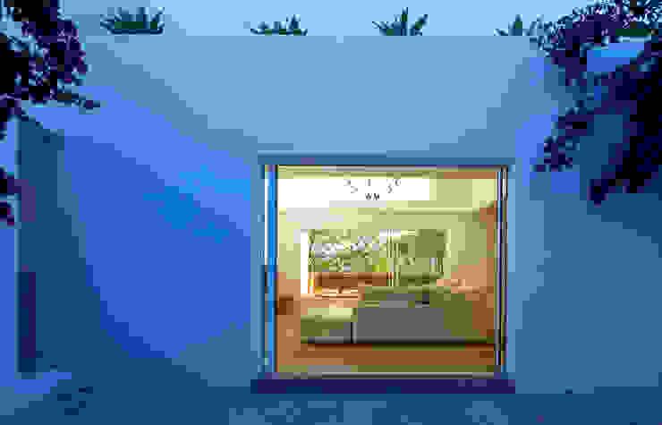 根據 Alejandro Giménez Architects 地中海風 水泥