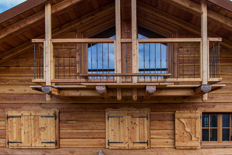 MORO SAS DI GIANNI MORO Rustic style windows & doors