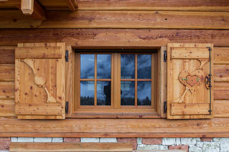MORO SAS DI GIANNI MORO Puertas y ventanas de estilo rústico