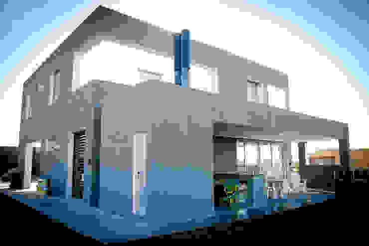 現代房屋設計點子、靈感 & 圖片 根據 S.TS Arquitectos 現代風