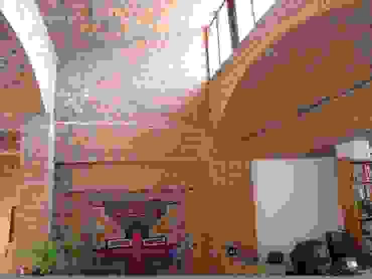Salas / recibidores de estilo  por JMN arquitetura, Rústico Ladrillos