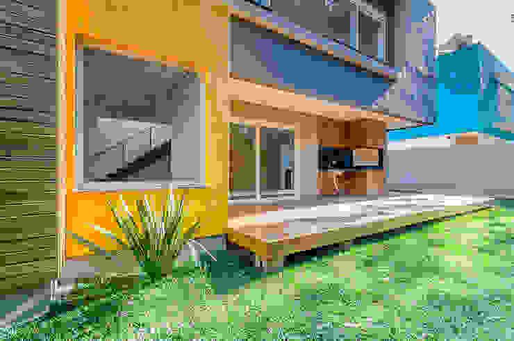 現代房屋設計點子、靈感 & 圖片 根據 ME Fotografia de Imóveis 現代風