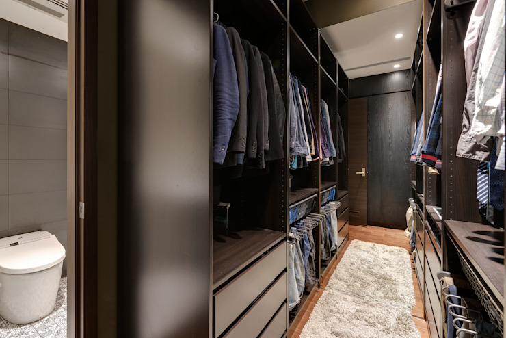Walk in closets de estilo escandinavo de 齊禾設計有限公司 Escandinavo Contrachapado