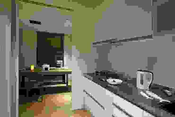 晉江街住宅 根據 齊禾設計有限公司 簡約風 合板