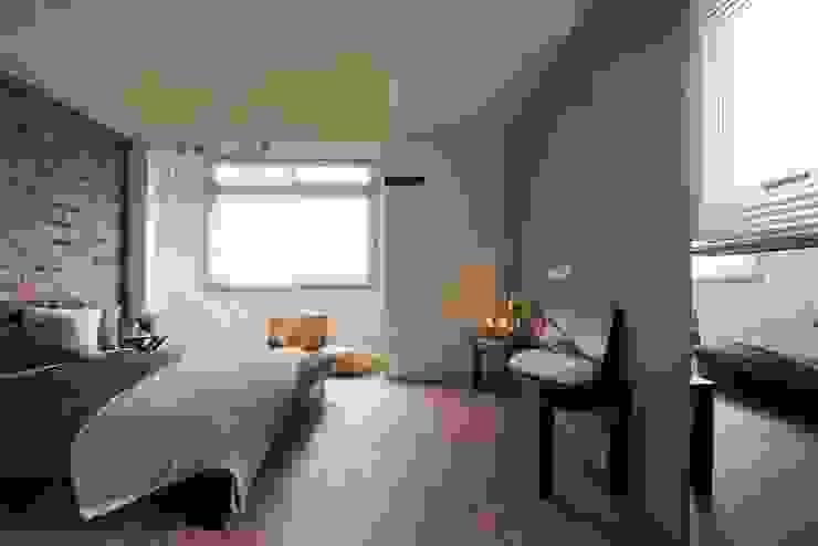 南昌住宅 根據 齊禾設計有限公司 簡約風 複合木地板 Transparent
