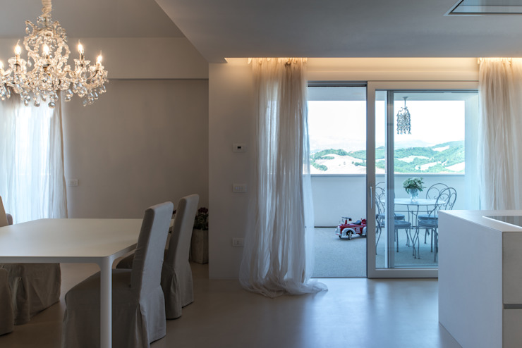 Terrazas de estilo  por QUADRASTUDIO, Moderno