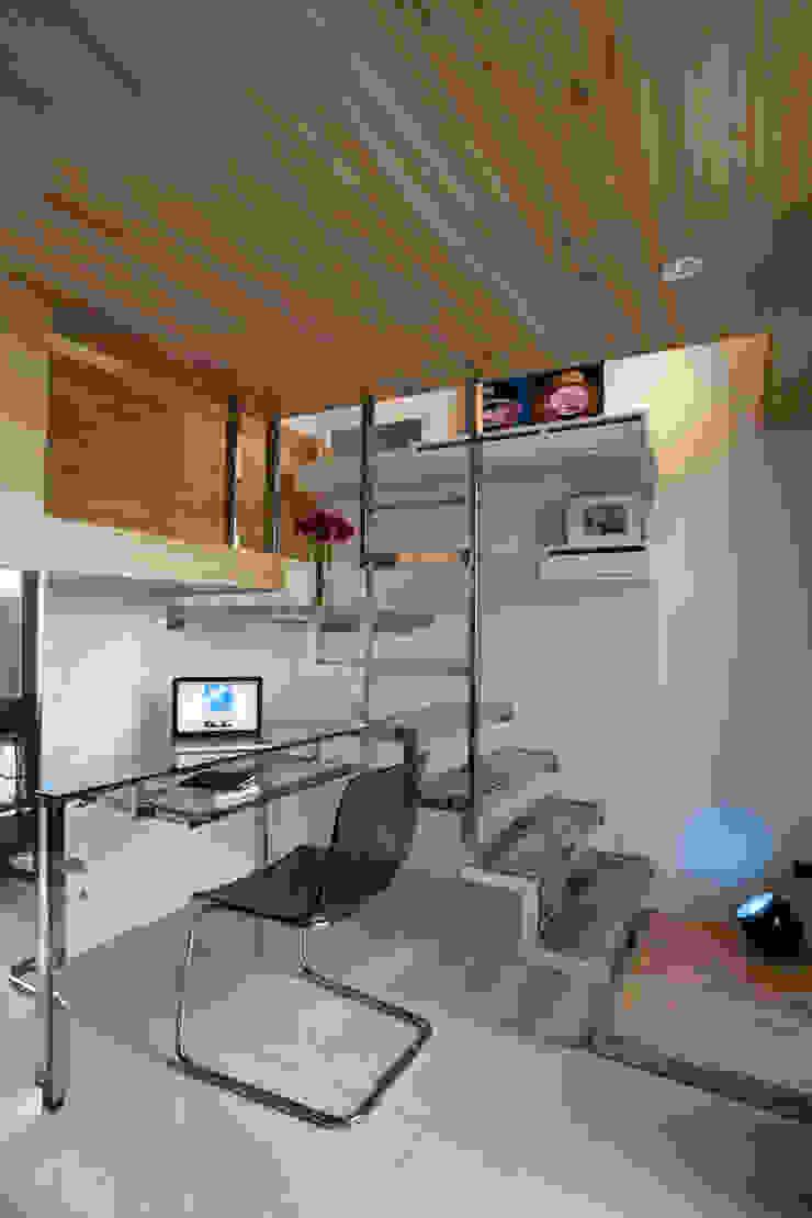 Modern study/office by 齊禾設計有限公司 Modern