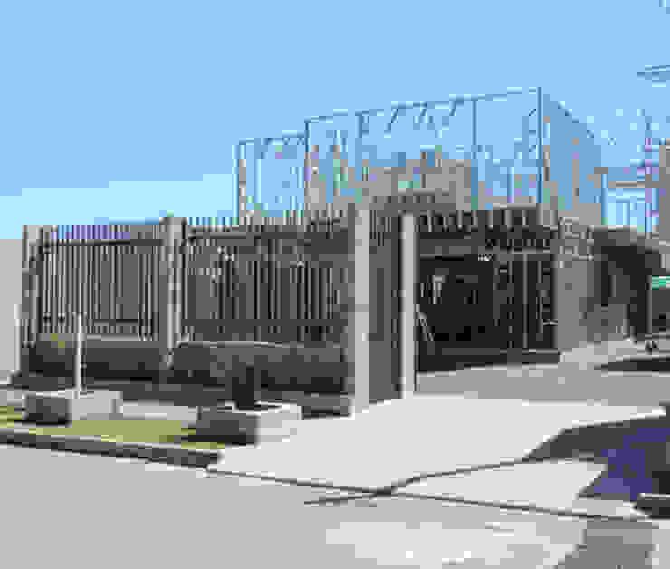 Casas modernas de Decorvisão | Sistemas de Remodelação e Construção LSF Moderno Hierro/Acero