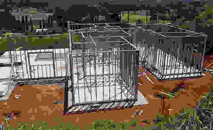 Modern houses by Decorvisão | Sistemas de Remodelação e Construção LSF Modern Iron/Steel