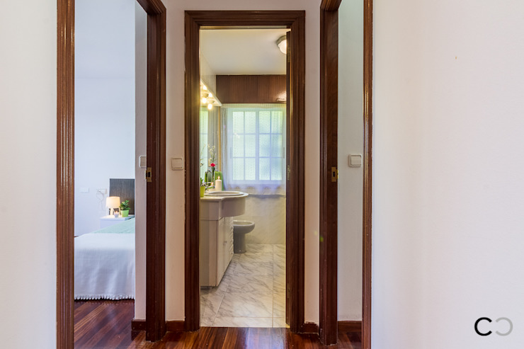 Modern Corridor, Hallway and Staircase by CCVO Design and Staging Modern