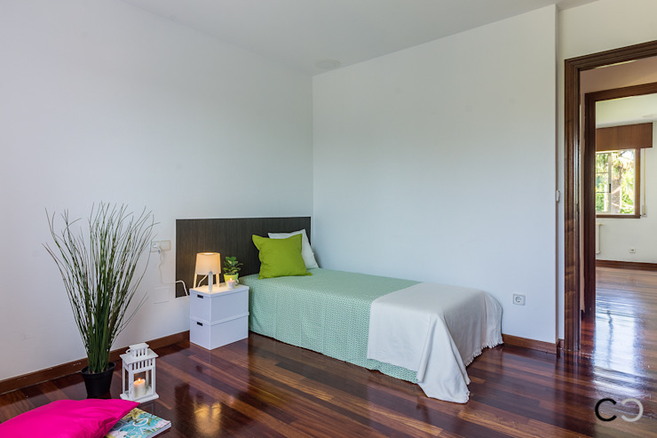 Modern style bedroom by CCVO Design and Staging Modern