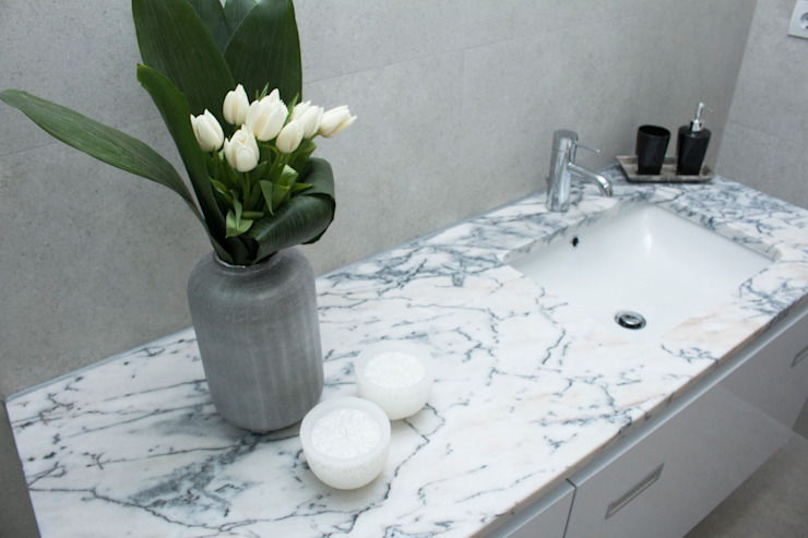 Modern style bathrooms by ORCHIDS LOFT Modern Marble