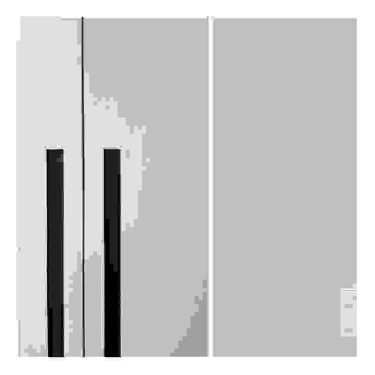 Detail 2 Ruang Ganti Minimalis Oleh studiopapa Minimalis Kayu Wood effect
