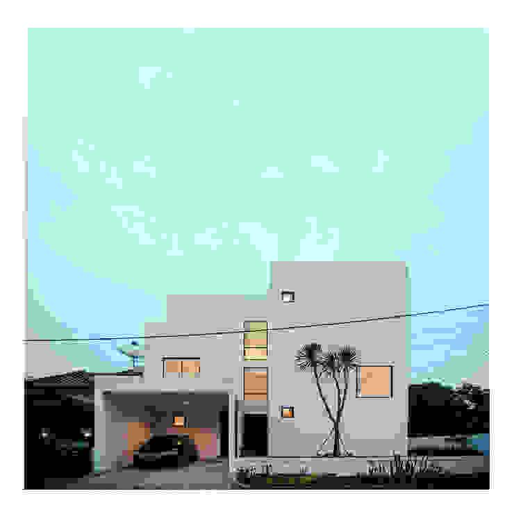 NIght View Tampak Depan Ahouse Rumah Minimalis Oleh studiopapa Minimalis