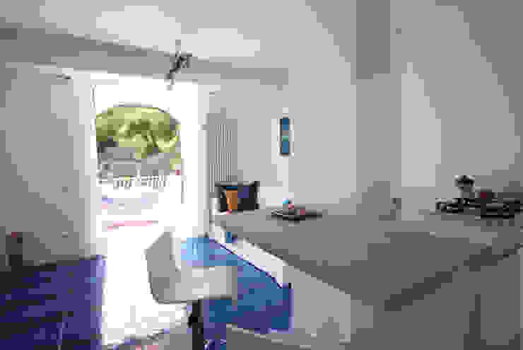archielle Livings de estilo mediterráneo