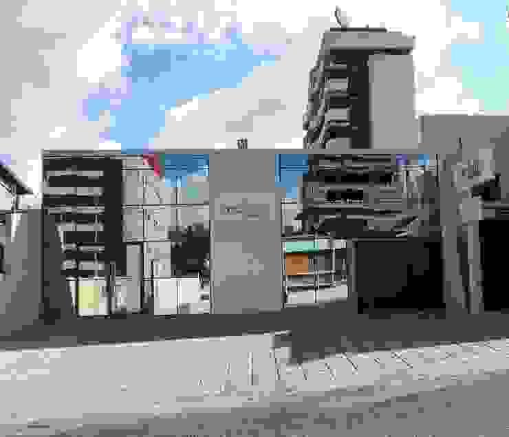 Cliniques modernes par Lorena Cavalcanti Arquitetura Moderne