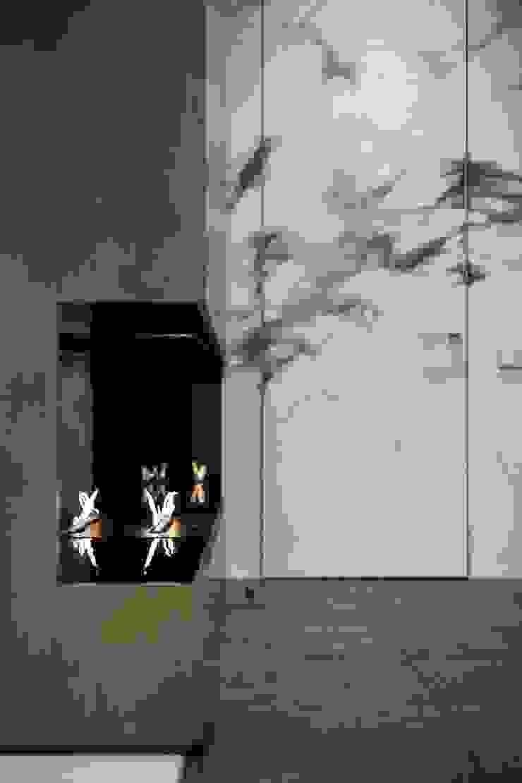 Ruang Keluarga Modern Oleh Design Evolution Modern