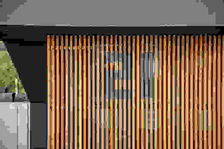 Casas modernas de Henecka Architekten Moderno Madera Acabado en madera
