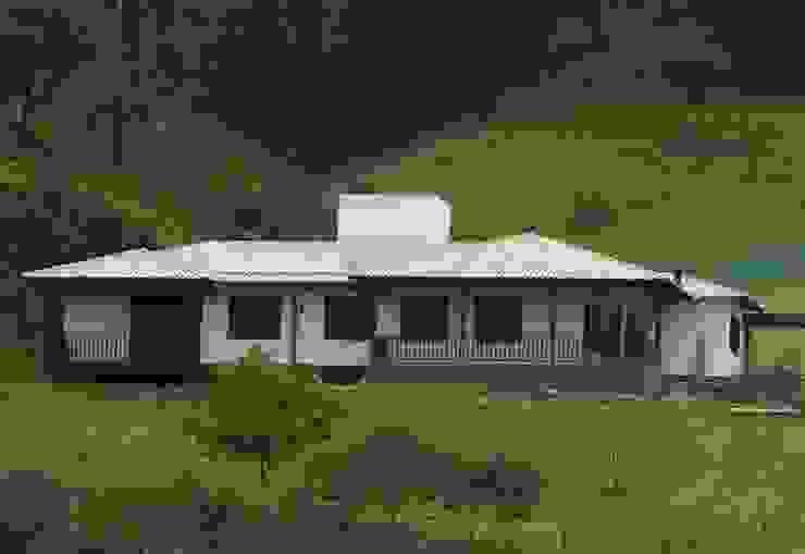 Casas campestres de estilo  por SERARTE  ENGENHARIA, Clásico