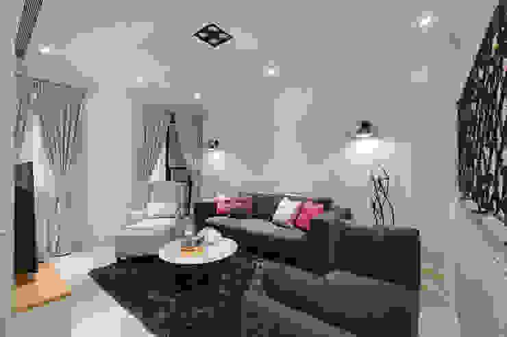 溫馨休閒小別墅 现代客厅設計點子、靈感 & 圖片 根據 哲嘉室內規劃設計有限公司 現代風