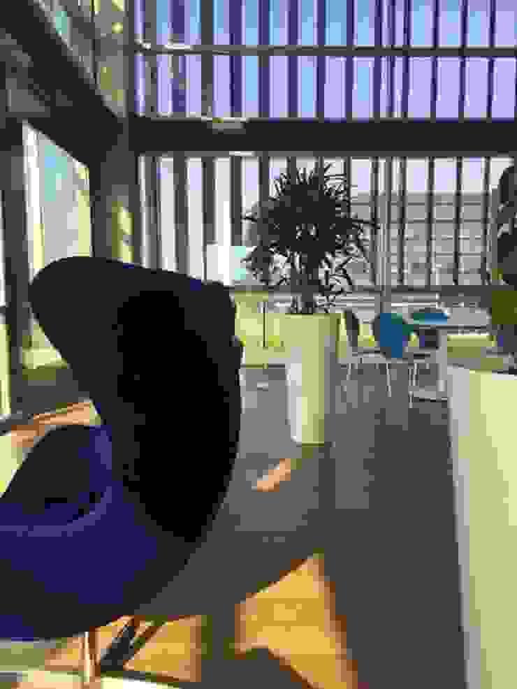 Moderne Bürogebäude von YA Architecten Modern