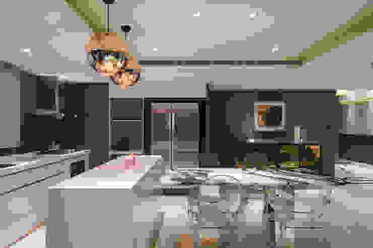 Modern dining room by 哲嘉室內規劃設計有限公司 Modern