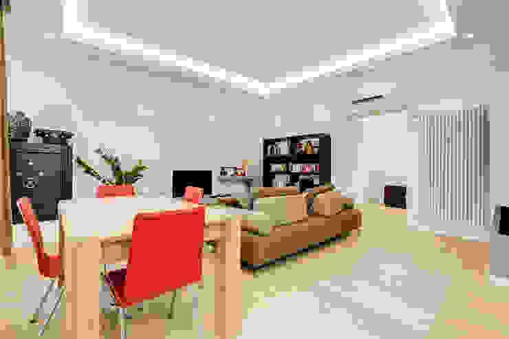 Merulana | minimal design Soggiorno moderno di EF_Archidesign Moderno