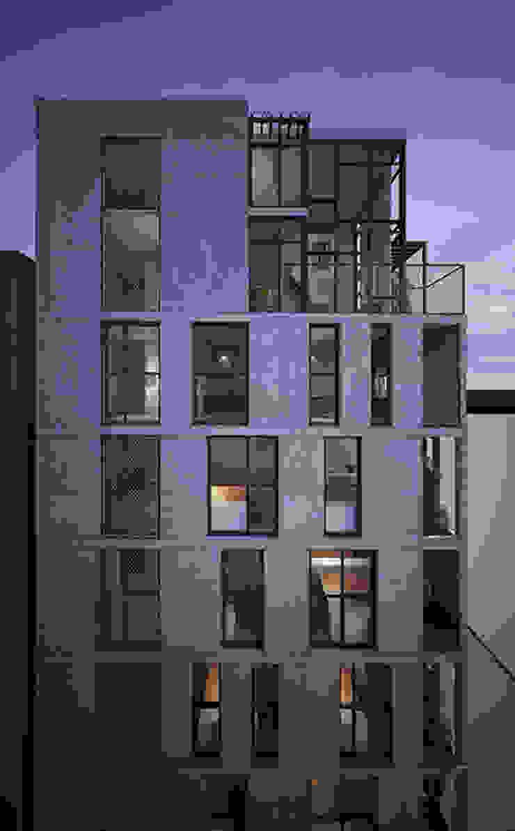 HTK Office & Residence bởi Studio8 Architecture & Urban Design Hiện đại