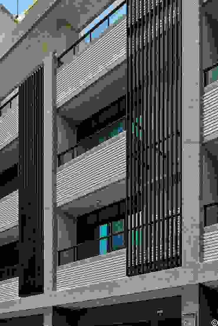 Modern houses by 讚基營造有限公司 Modern