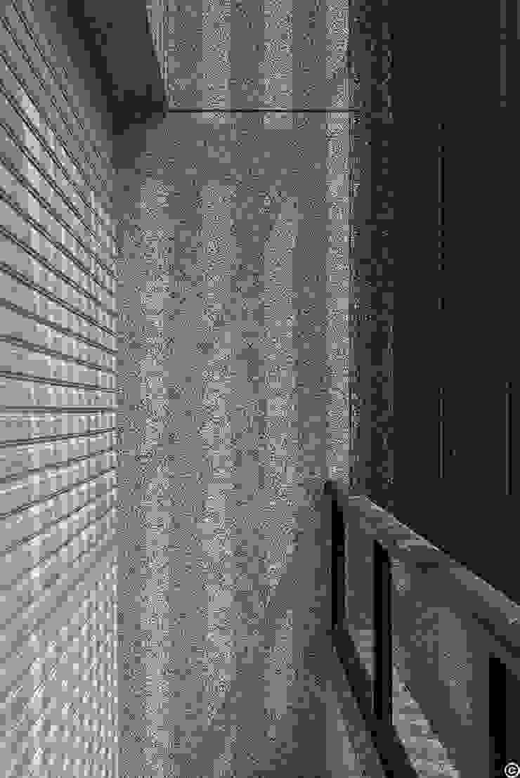 Modern balcony, veranda & terrace by 讚基營造有限公司 Modern